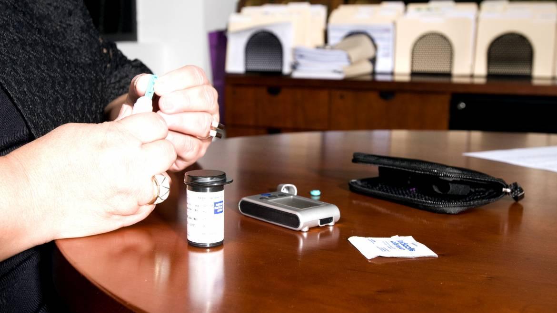 Αντλία ινσουλίνης: Πλεονεκτήματα και Μειονεκτήματα της χρήσης